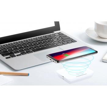 Cargador inalámbrico con función soporte de smartphone