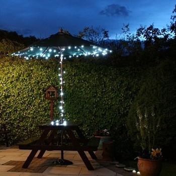 Guirnalda de 50 luces LED solares blancas